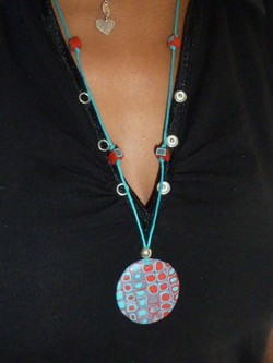 collier_rouge_turquoise_t_mini009.jpg